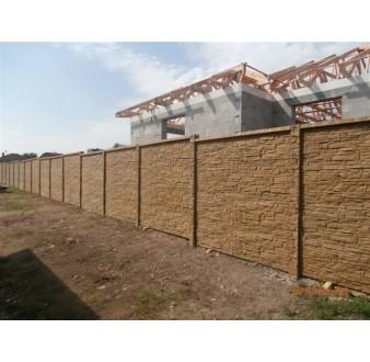 Betonový plot 73 Prima oboustranný pískový se stříškou